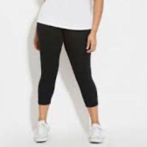 Forever 21 plus size black Capri leggings size 3x